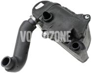 Oil trap/separator, crankcase breather 2.9 P2 (2002-) S80
